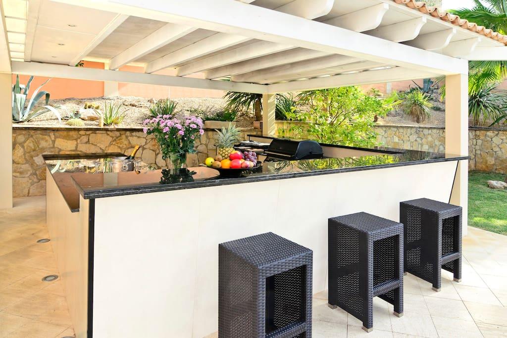 Outdoorküche komplett ausgestattet