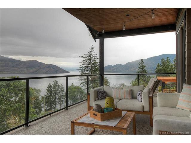 Incredible Lake View Home in Peachland - Peachland - Casa
