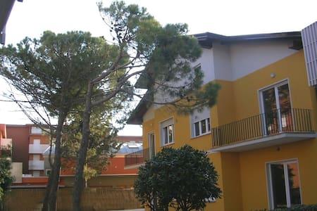 App. 30 metri dal mare - C1 piano terra WiFi free - Lignano Sabbiadoro - Apartment