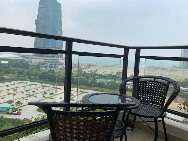 G12#18  1+2 BED @FOREST CITY