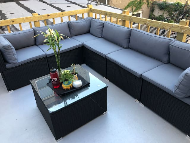 Great Home! UNBEATABLE LOCATION! Rooftop Deck!