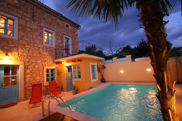 Stilvolle, Alleinstehende Villa mit Pool - Grižane-Belgrad