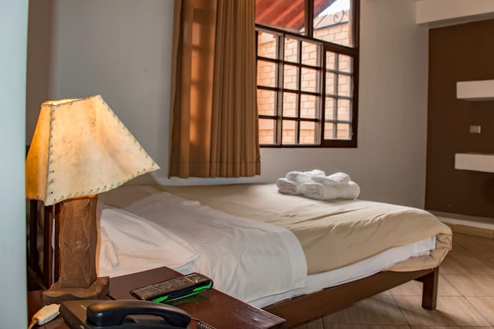 202 Hab. Matrimonial Estándar | Casa Hotel Huaraz