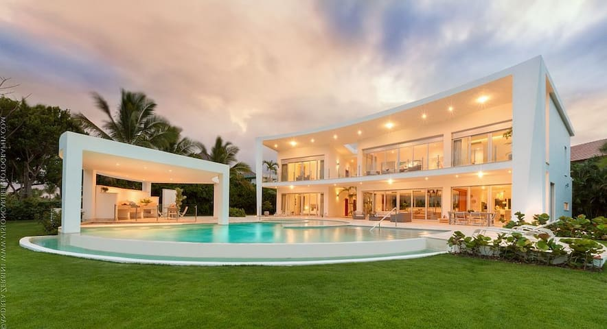 Modern Luxurious Newly Villa Near Ocean & Golf - Higuey - Villa