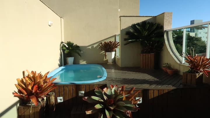 Cobertura com piscina, 200m do mar em Bombas