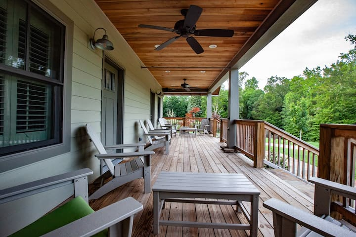 Front deck/porch of the Bungalows #1 and #2