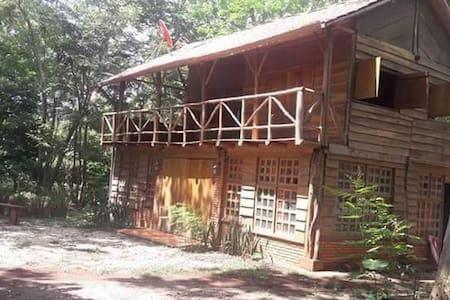 Cabaña Private Room #3 guests, Playa Avellanas, CR - Blockhütte