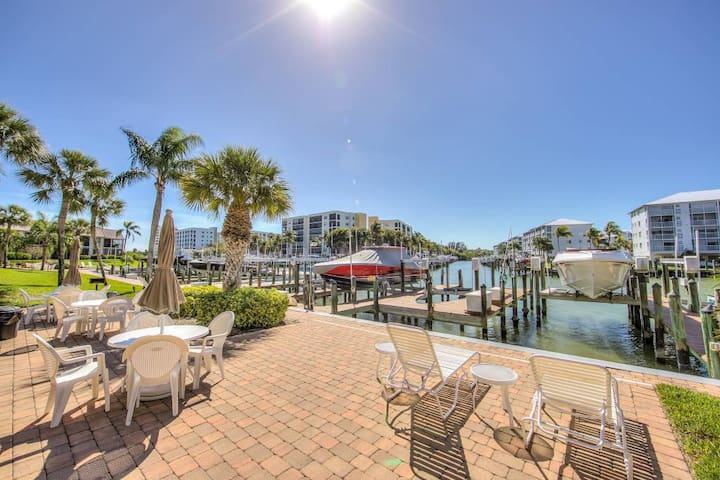 LOCATION, LOCATION, LOCATION--Best Place on FMB!