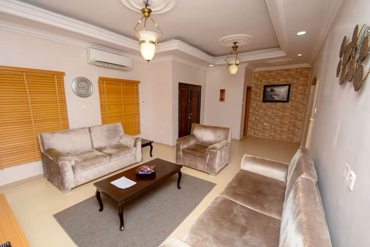 Exquisite Private Townhouse Retreat in  Ikeja