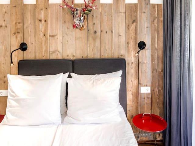 Hotel & Restaurant Kreuzblume, (Freiburg), Comfort Doppelzimmer mit Dusche/WC