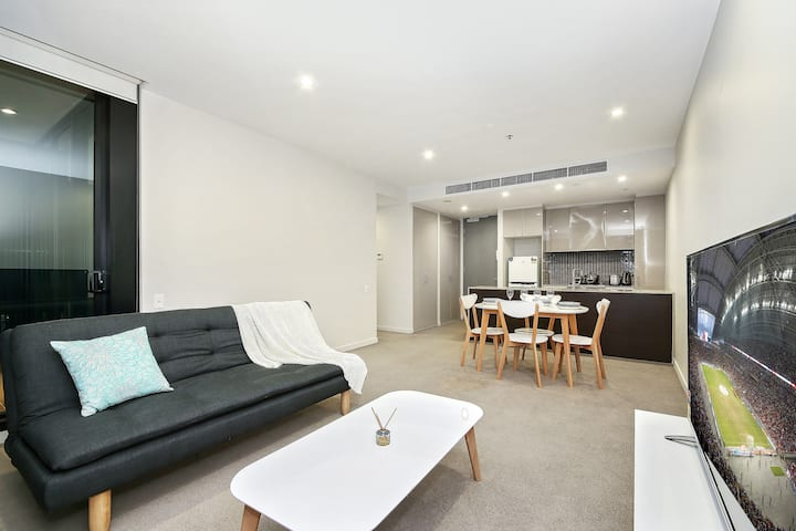Homely Albert Park Suite Next to Grand Prix Circuit