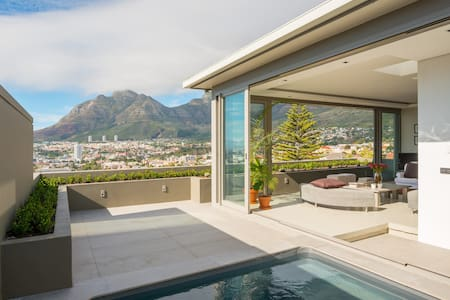 3-storey space, spectacular views in heart of city - Cape Town - Apartmen