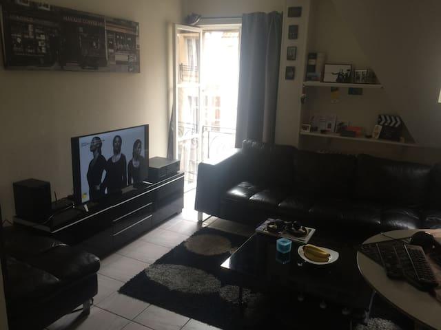 Beautiful, central studio - Bruxelles - Apartment