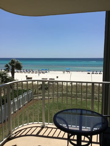 Cozy Beachfront Condo at Long Beach Resort PCB