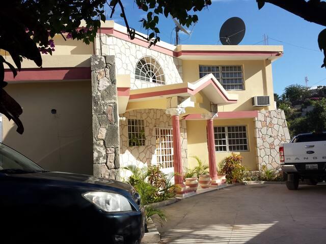 Tropical Family home