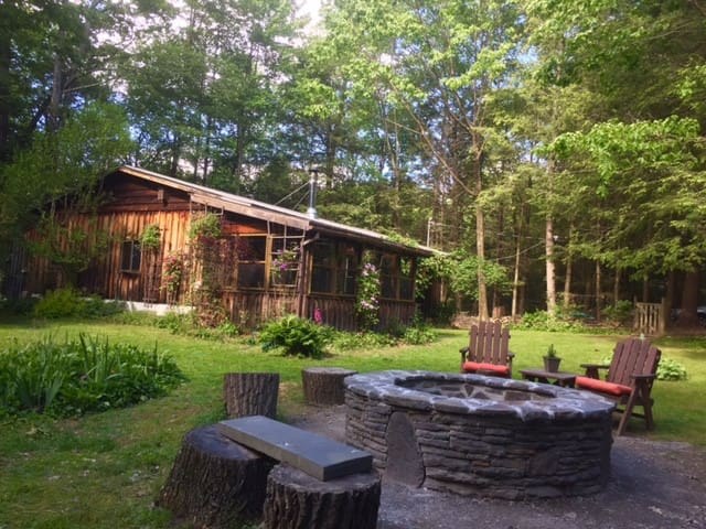 Forest Cottage Retreat