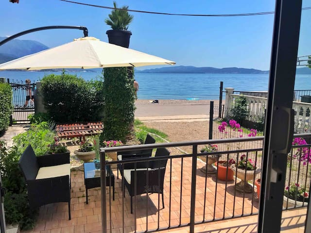 Apartment ADRIATICO Beach front