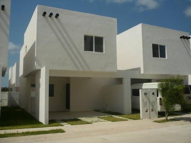 Casa Vitalá, Polígono Sur
