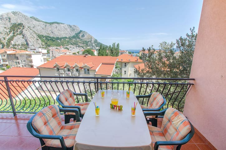 One bedroom Apartment, in Omis, Balcony