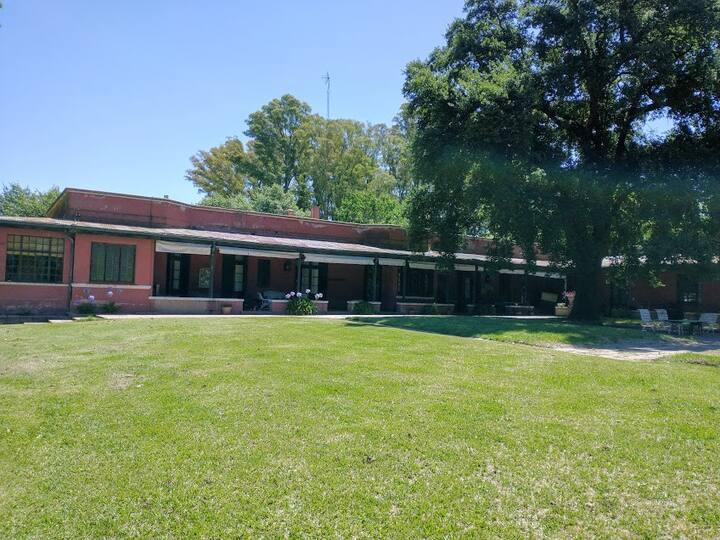 Residencia Rural de Arte y Descanso (1904)