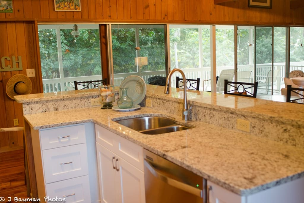 Granite countertops, all new stainless appliances