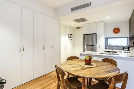 Great appartment walk to city, shops, cafes, art - 珀斯