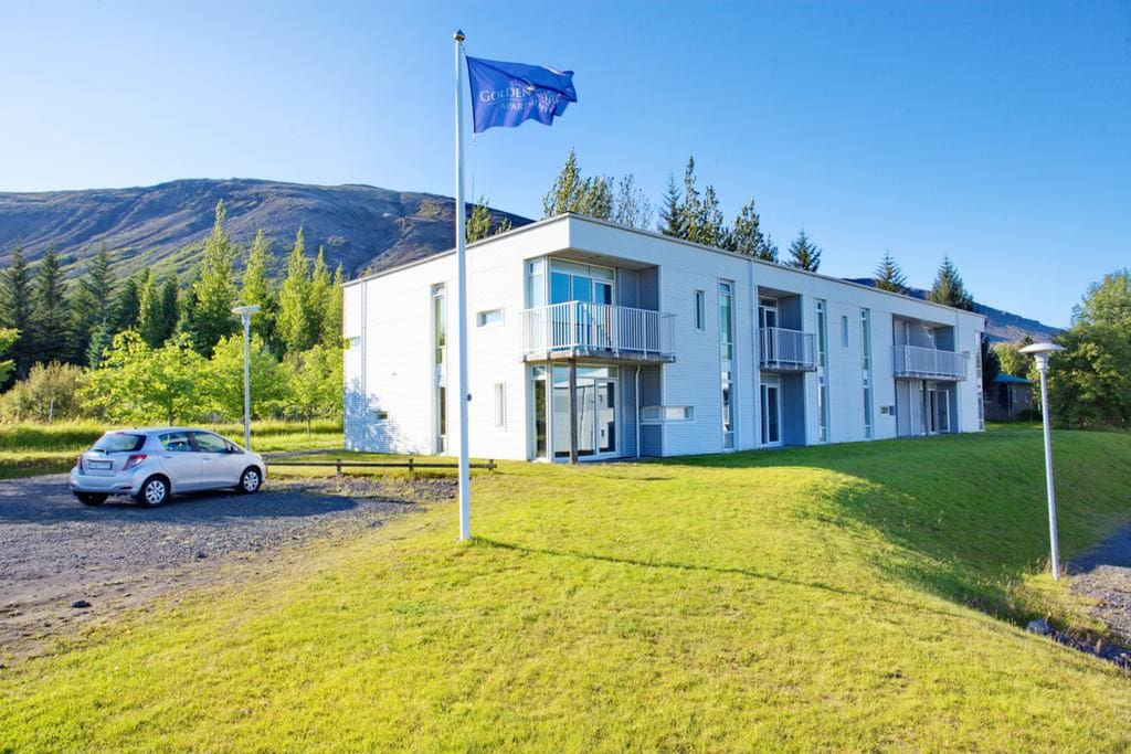The apartment has a private entrance and has a nice view over lake Laugarvatn