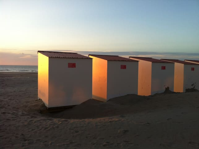 6è Ciel, Vue sur mer. Bel Appart + Cabine de plage - Nieuwpoort - Huoneisto