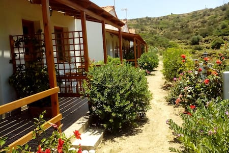 Nature lovers private room  # 2 at FAROS IKARIA - Exo Faros - Inap sarapan