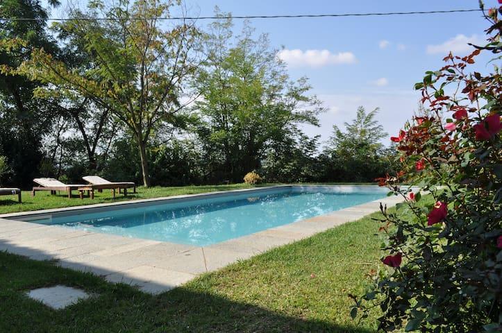 Cascina Coccione farm house with swimming pool