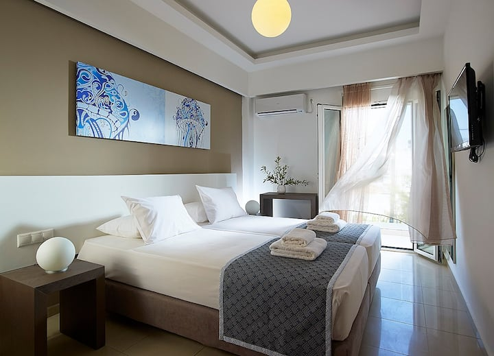 Coral Apartment with side Sea View