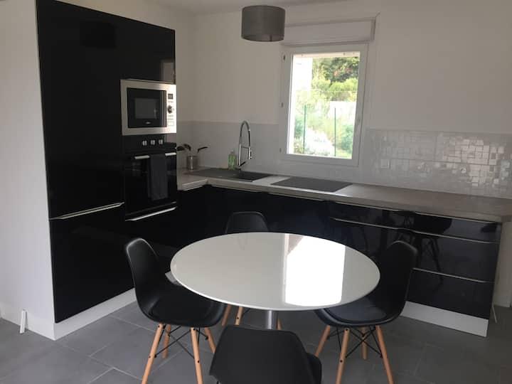 Maison avec Jardin/Piscine - Quartier résidentiel