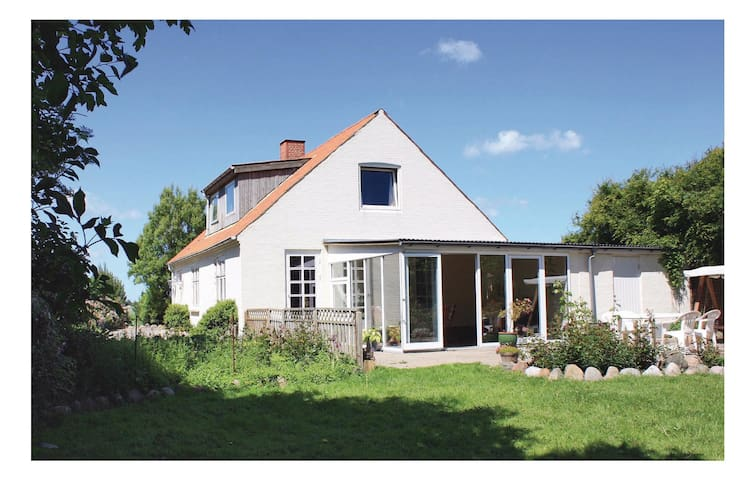 Holiday cottage with 2 bedrooms on 134 m²