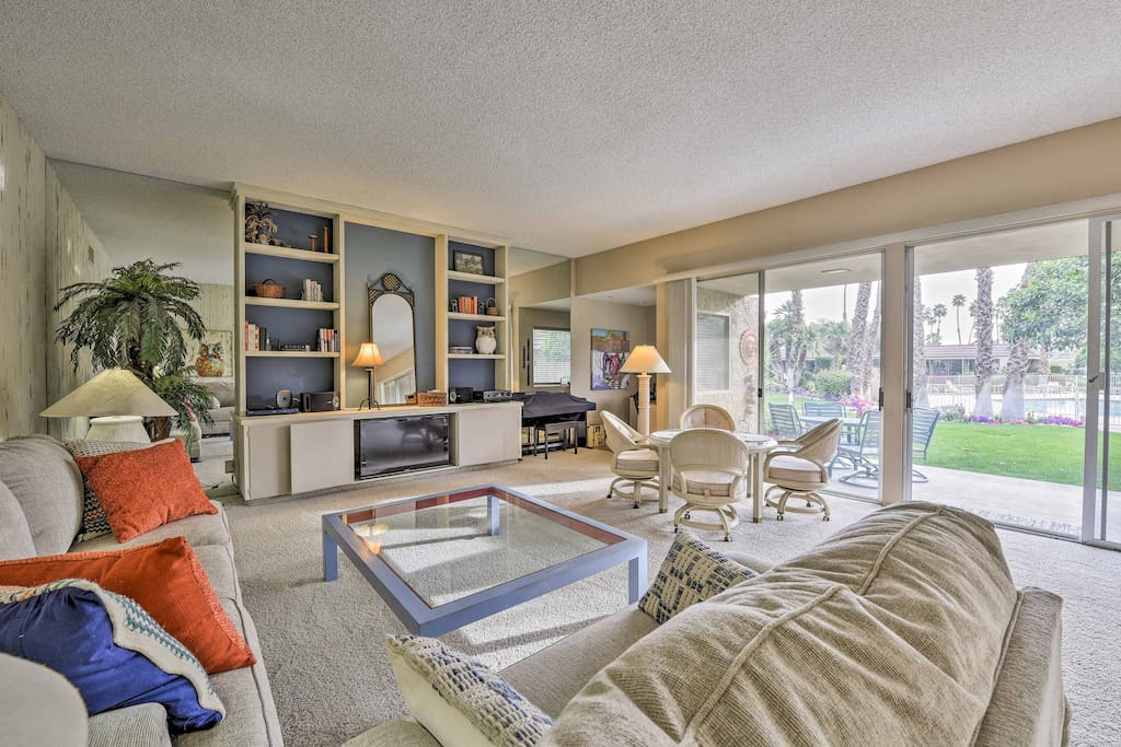 Spread out in 1,800 square feet of comfy living space.