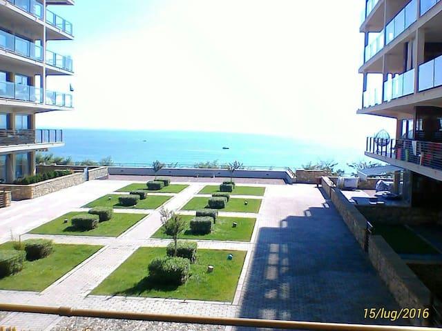 Дом с видом моря,2 минуту пляже,1линии,Болгария