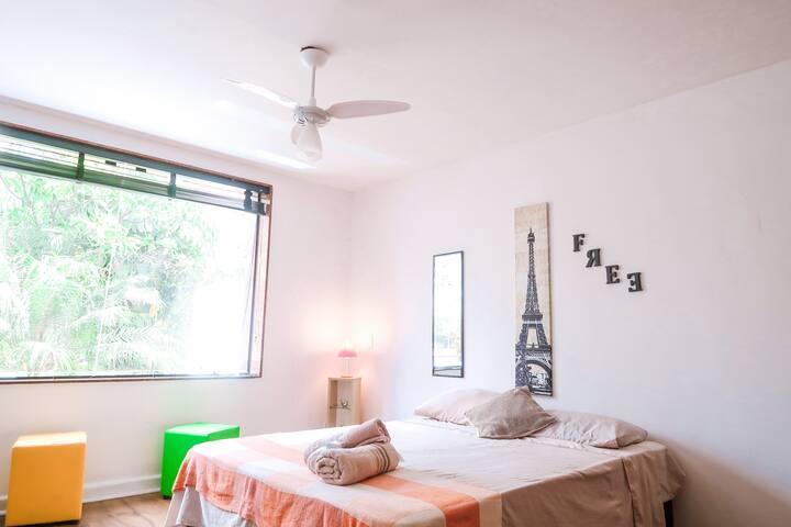 LINDO quarto ao lado do Parque do Ibirapuera!