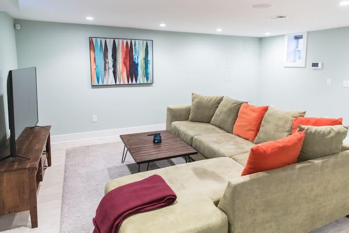 Cozy basement apartment w short walk to metro - Waszyngton - Dom
