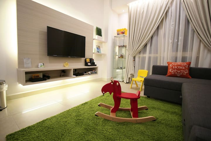 Wonderful Legoland 2 bedroom Suite for 8 pax - Nusajaya