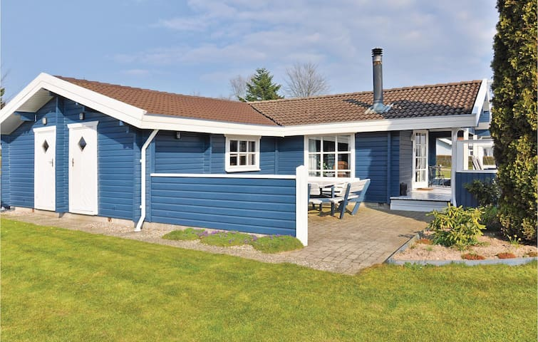 Holiday cottage with 3 bedrooms on 75m² in Egernsund