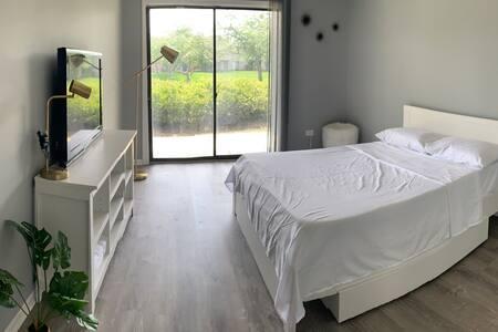 Clean big Bedroom in Palatine Apartment
