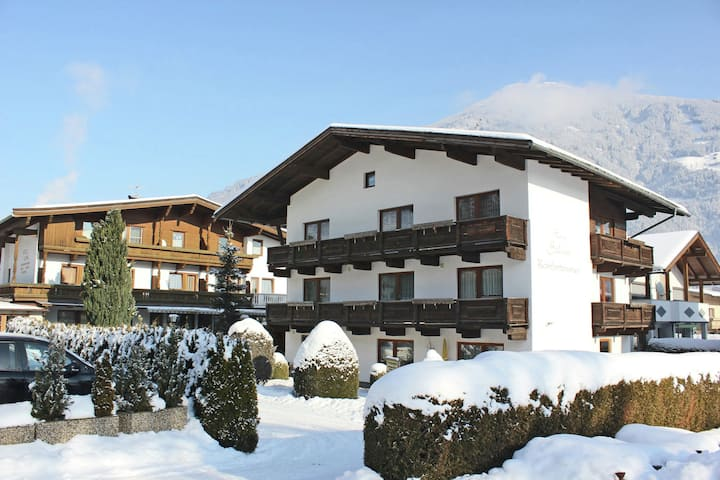 Beautiful Apartment in Ried im Zillertal with Mountain View