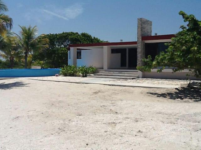 Casa de Playa en Sisal, México - Sisal - Hus