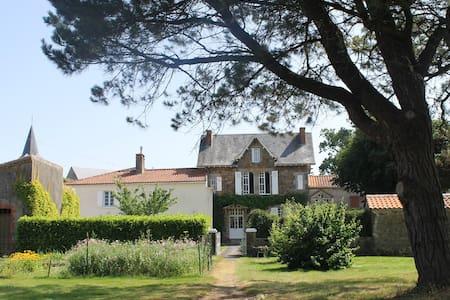 Gîte  de charme au calme - Saint-Hilaire-le-Vouhis