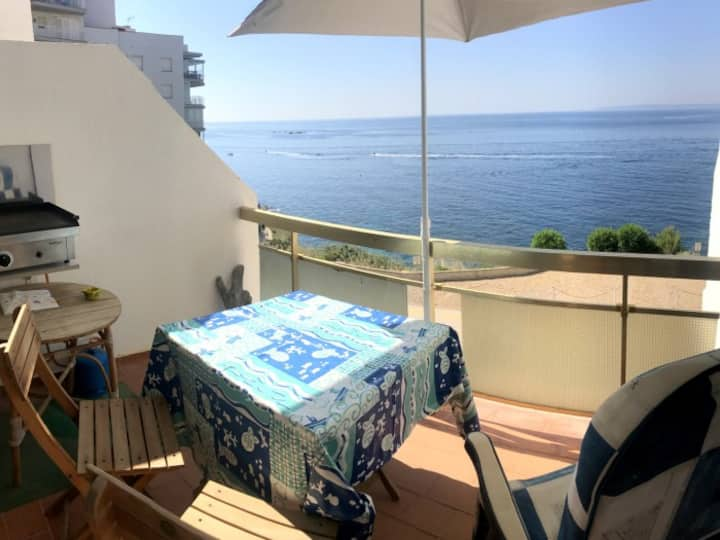 MEDA 2DApartment on Seafront with 1 bedroom on the Far area with private parking
