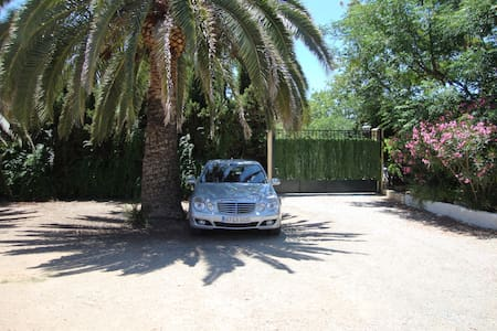 Casa con Piscina, Barbacoa jardines - Haus