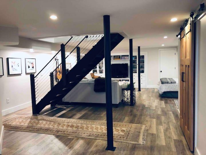 Clean & Spacious East Nash Guest Suite