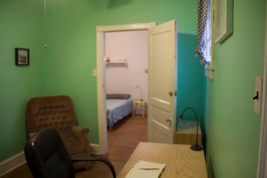 West philadelphia entire 1 bedroom apt apartments for for One bedroom apartments in philadelphia pa