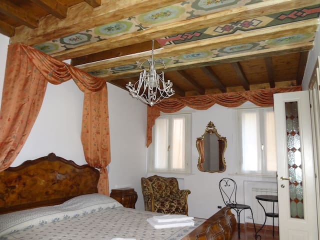 A rare villa with exclusive garden  - Venecia - Villa
