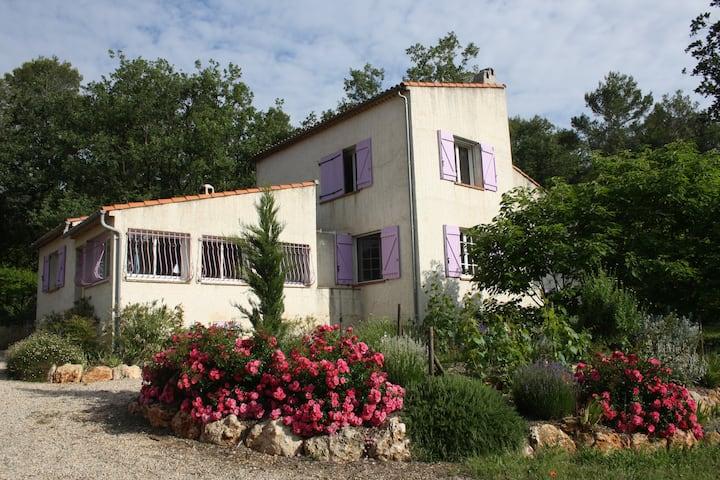Permaculture en Provence, entre plages et Verdon