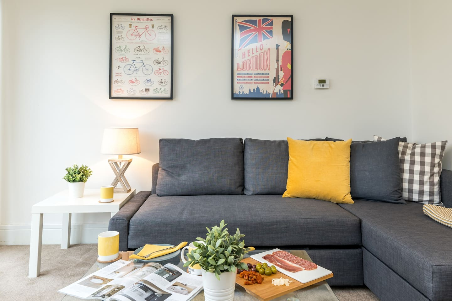 Immaculate 3-bed New Build walking distance to train station.